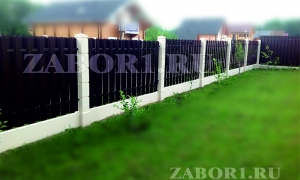 забор со штакетником