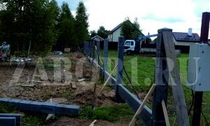 монтаж бетонных столбов